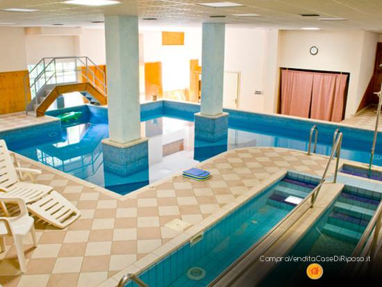 hotel con destinazione casa di riposo - piscina benessere