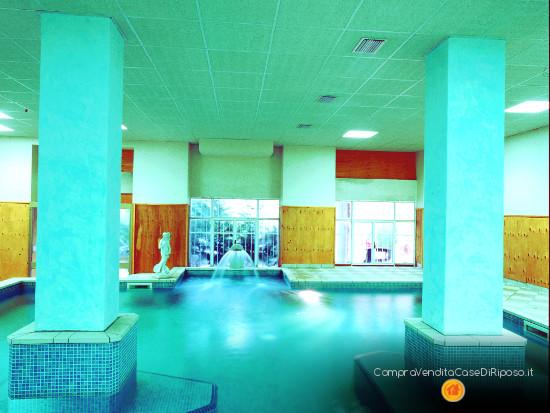 hotel con destinazione casa di riposo - piscina interna