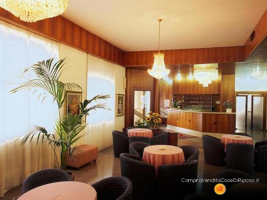 hotel con destinazione casa di riposo - reception