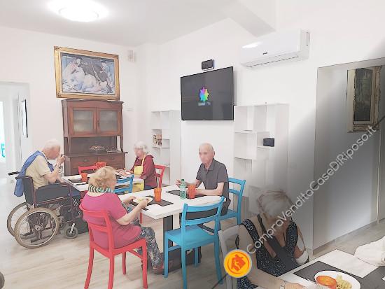casa alloggio 095-sala-pranzo