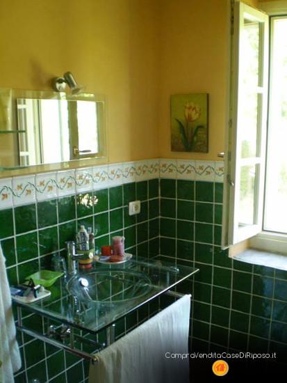 immobile destinazione casa famiglia - bagno