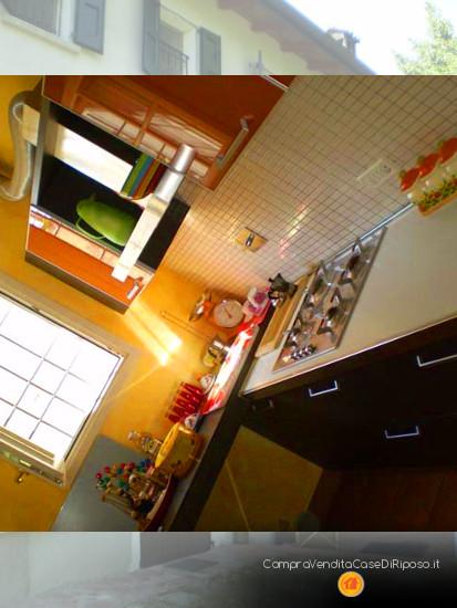 immobile destinazione casa famiglia - cucina