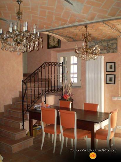 immobile destinazione casa famiglia - sala da pranzo
